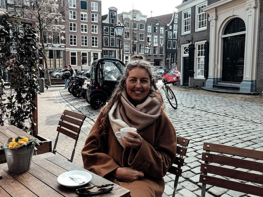 Koffie hotspot Quartier Putain op de Wallen in Amsterdam