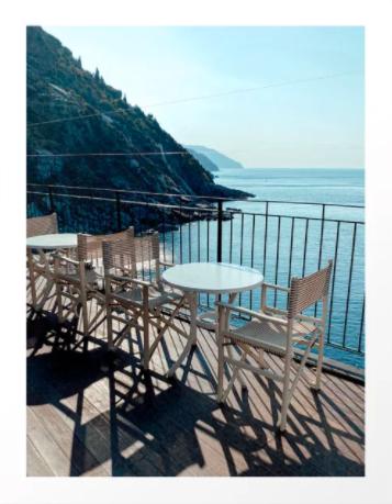 Ontbijt uitzicht op de zee in Vernazza