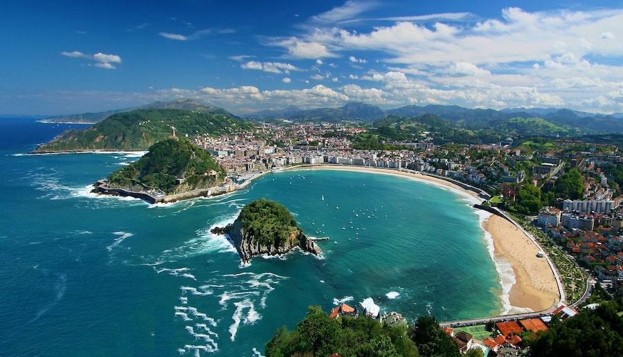 San Sebastian in Spanje, een van de 6 mooie plekken in Europa voor een autovakantie