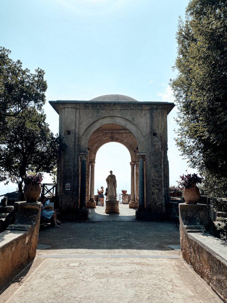 De Tempel van Ceres in Villa Cimbrone, Italië